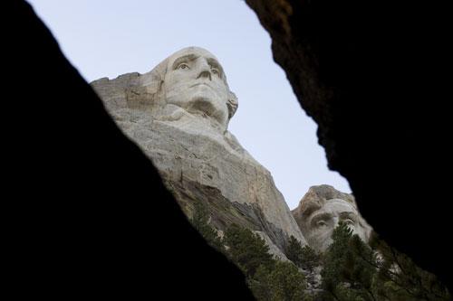 09-09-582-Rushmore.jpg