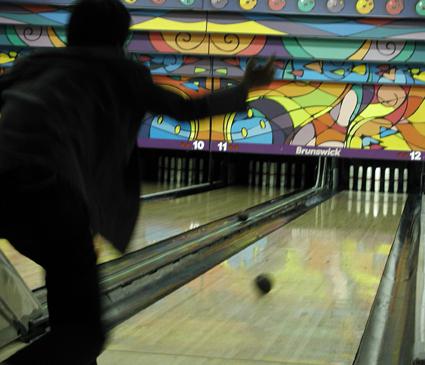 Tomo-bowling-7.2.04.jpg