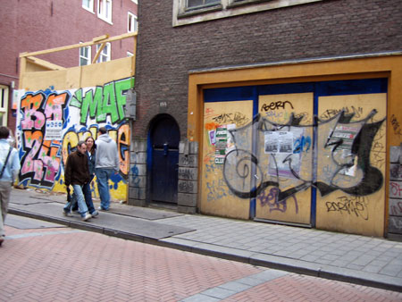Amst-graffiti-2.jpg