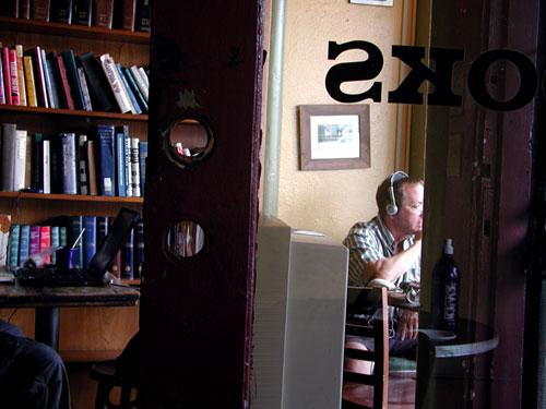 novel-cafe.jpg